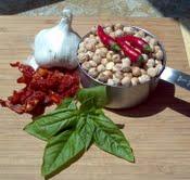 sun dried tomato & basil hummus