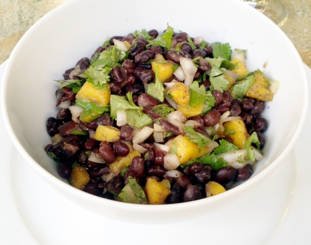 blackbean_mango_salad