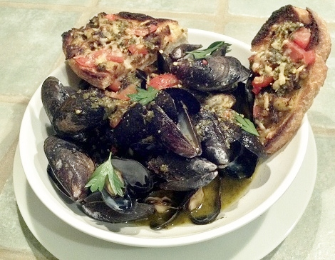 Bruschetta served with Mussels